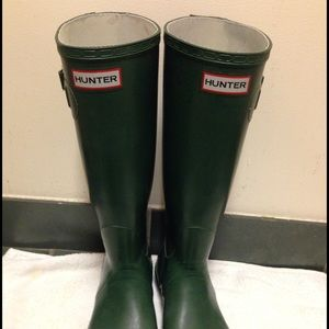 Hunter green rain boots