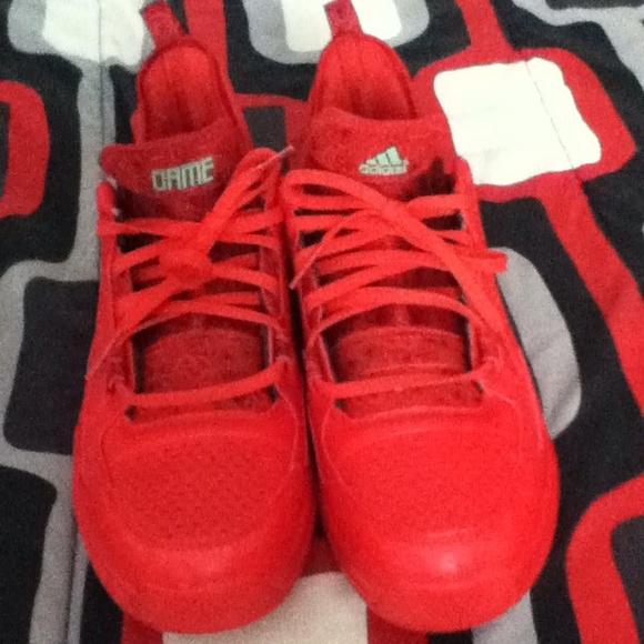 le adidas rosso che financial services ltd