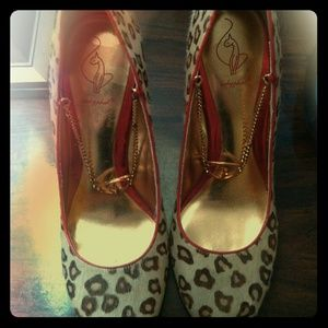 BABY PHAT Red & leopard fur heals with Gold Chains