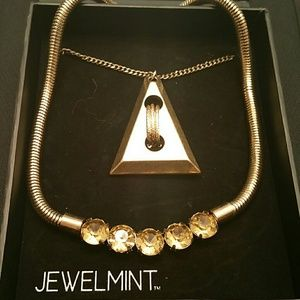 Jewelmint gold and bold layer necklace