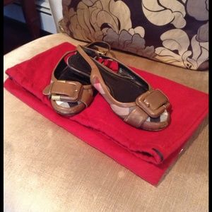 Authentic Burberry shoes size: 6