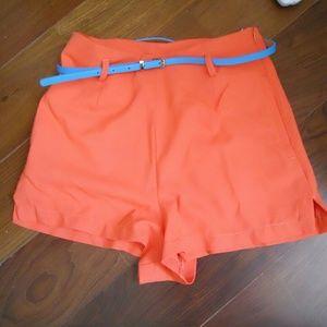 Mid waist shorts