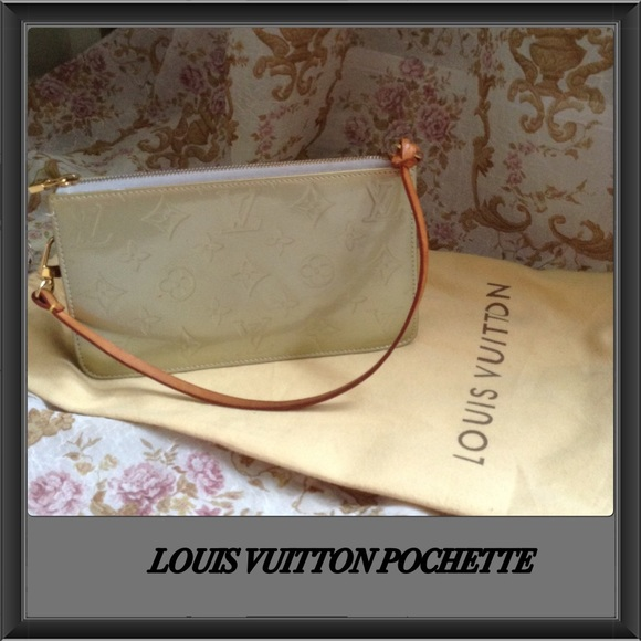 Louis Vuitton Handbags - ✨LV POCHETTE ✨♥️SOLD♥️