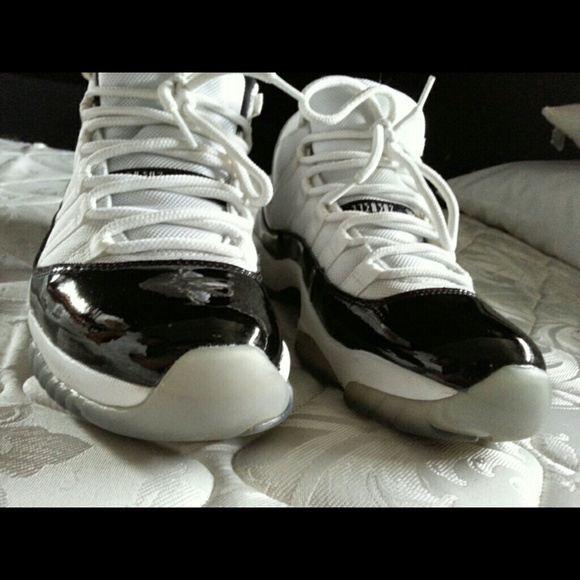 2bb7051483d5fb Jordan Other - Free Jordan 11 concord retro size 9 mens