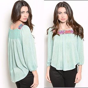 Flowy mint thin knit top / sweater detailed chest