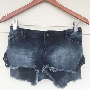 Denim - Black lace denim shorts