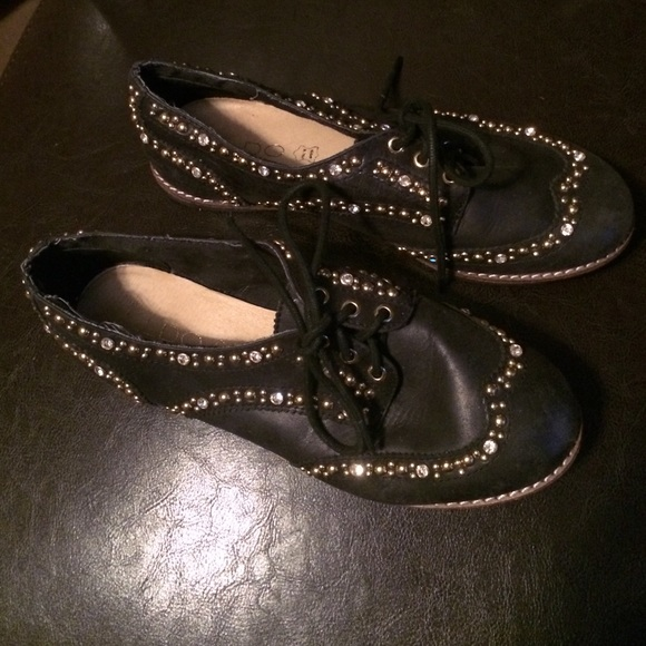 50 aldo shoes black and gold aldo shoes from