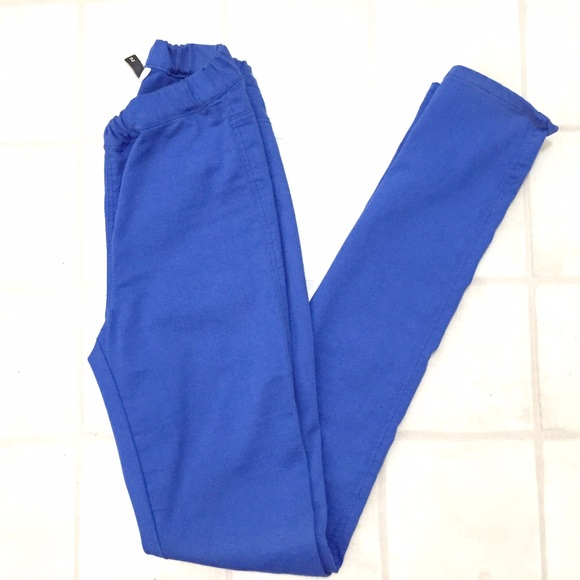 H&M Pants - NWOT H&M cobalt jeggings