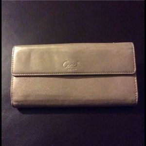 NWT Coach Turnlock slim envelope wallet