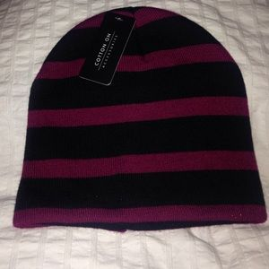 NWT Maroon and black cotton on beanie