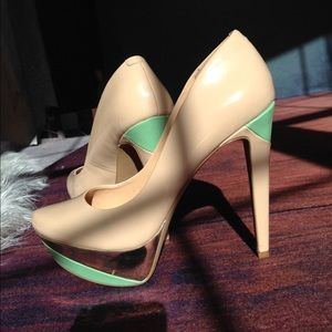 Jessica Simpson Nude and Mint Pumps