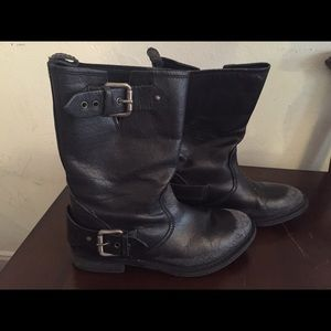 Zara Boots - ZARA WOMENS BLACK BOOT IN A SIZE 37