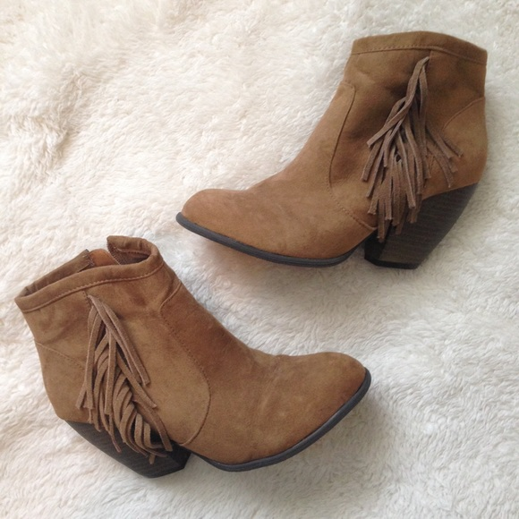 Mossimo Supply Co. - Bundle: Tan fringe booties   Old Navy red ...