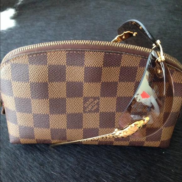 1f9d9ae1a3e5 Louis Vuitton Accessories - Louis Vuitton- Damier Ebene Cosmetic Pouch
