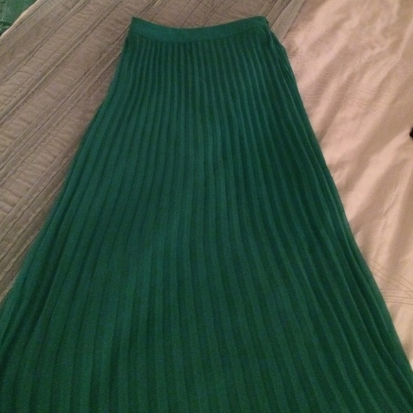 Lulu's - Gorgeous Green LuLu's Pleated Midi Skirt from Cara ...