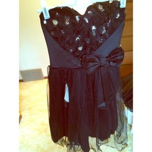 Dresses & Skirts - Black and silver heart short prom dress