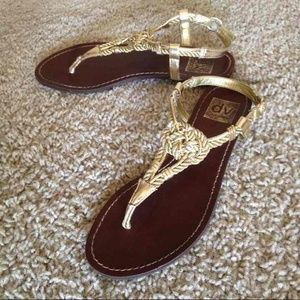 FlashSALE⚡️Like New Gold Dolce Vita Sandals