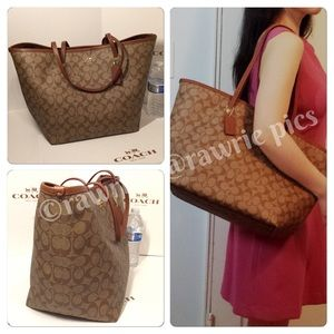 New Coach large signature brown khaki tote