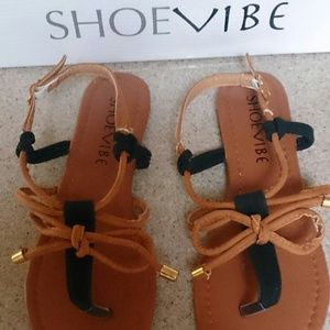 Shoevibe Black and Tan Sandals