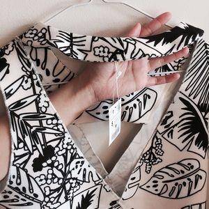 Zara Tops - Zara Printed Crop Top