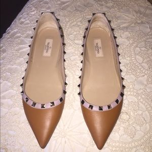 Valentino Shoes - 1hr SALE !!! Valentino rockstud flats