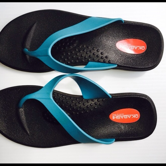 Product Description sandal, with a wedge heel, combines the comfort and support Okabashi.