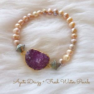 Jewelry - ⛔️SOLD⛔️Purple Druzy + Fresh Water Pearls bracelet