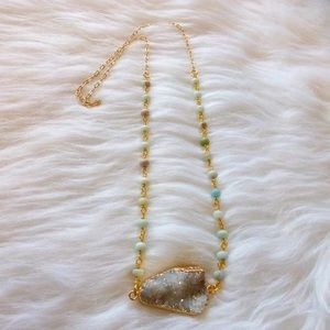 Jewelry - ⛔️HOLD4KOURTNEY⛔️White Agate Druzy necklace