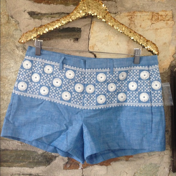Madewell NWT denim embroidered shorts