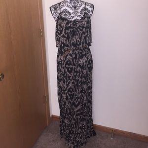 ruffle maxi dress w belt small