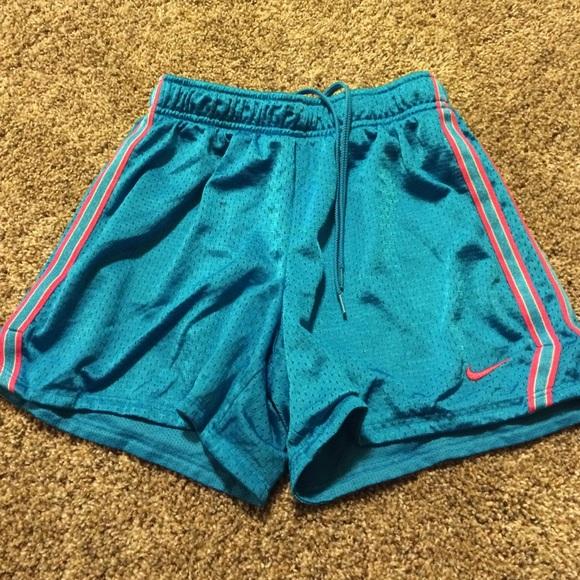 Nike girls short basketball shorts