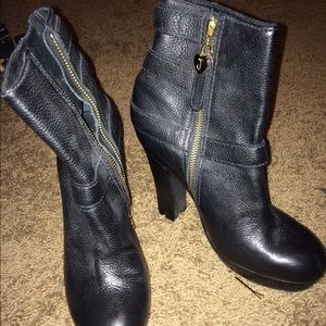 Juicy couture leather boots
