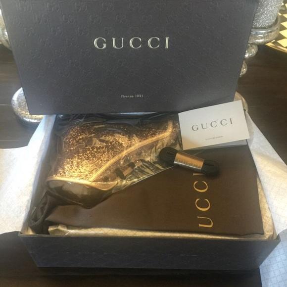 6dfeaf4a0d7 NIB Glitter Gucci California gold sneakers
