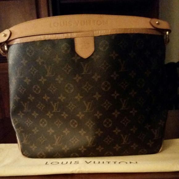 01be68da4ef Authentic Louis Vuitton Delightful PM
