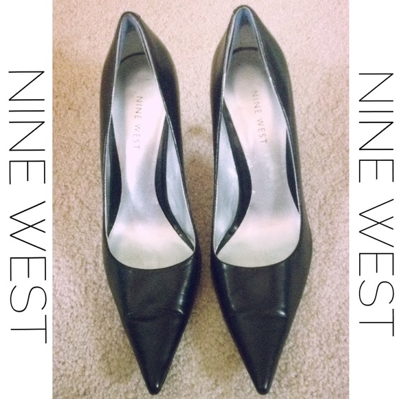 9b9c24d4f33 Nine West Black Leather Pointy Toe Heels Pumps. M 553118c201985e62bc002ae2