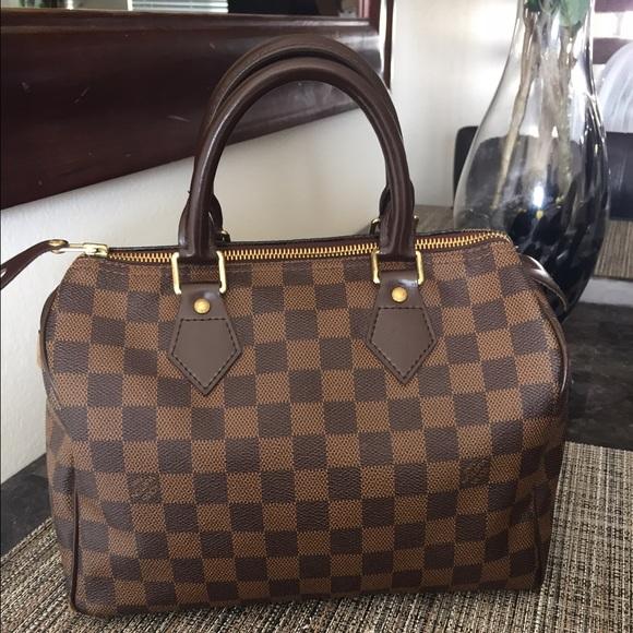 62b26098e372 Louis Vuitton Handbags - Louis Vuitton Speedy 25 in ebene Damier