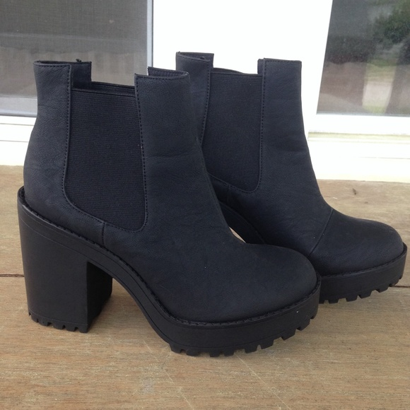 Chunky Platform Divided Hm Black Boots