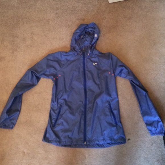 2a7bb6996 Nike Jackets & Coats | Womens Rain Jacket | Poshmark
