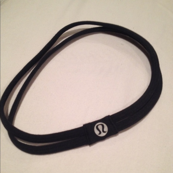 e6102b6e086 lululemon athletica Accessories - Lulu lemon black double strap headband.