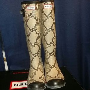 {RARE} Hunter Boots [Carnaby Snake]