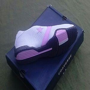 bebf81d1c25d9 Converse Shoes - LADIES CATCH 22 OX NWOT BIRTHDAY SALE