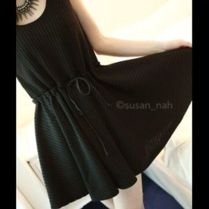 Comfy dress that goes with everything (black)