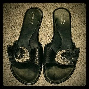 Matisse leather sandal with kitten heels