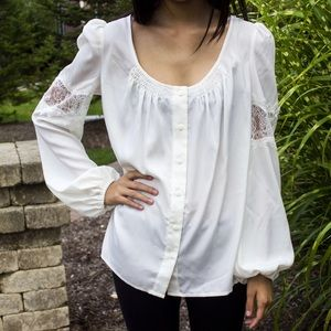 Tops - 🎉HOST PICK🎉Lace Peasant Blouse