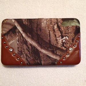 Camo Wallet Made From A Real Tree