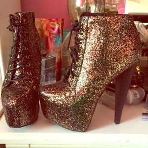 Shoedazzle Glittery Platform Booties