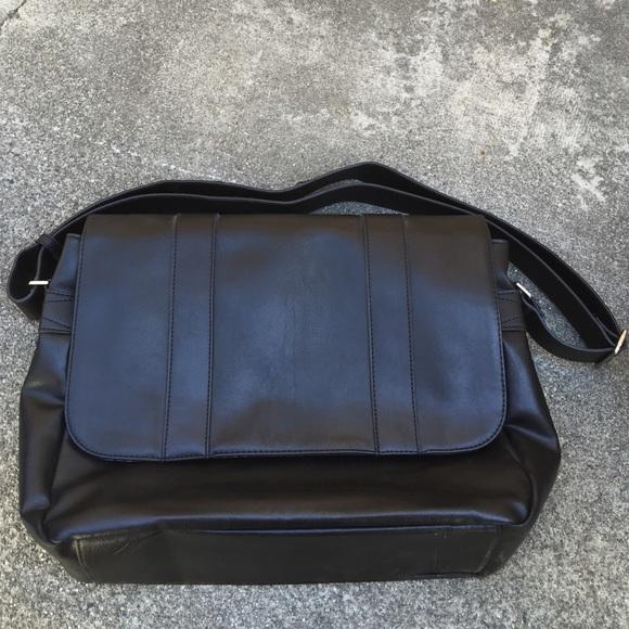 bf2939861ad ALDO Accessories - Messenger Bag ✨Final markdown✨