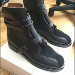 0d2a43b1 See by Chloé black leather ankle boots