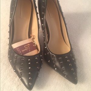 Zara Shoes - Zara Studded Pointed Toe Heel