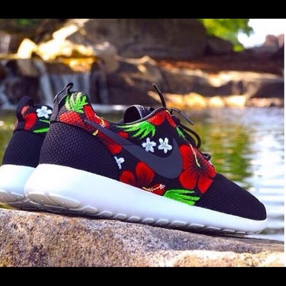 18eb317cf041 MORE SIZES Nike Roshe Run Tropical Custom Rare. M 553403f9f0137d55c3008ec6